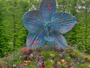 Chelsea Flower Show yesterday, The Rush of Nature installation by Marc QuInn (all photos Ian D Smith\)