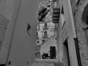 Casa Rosa, beneath La Rocca