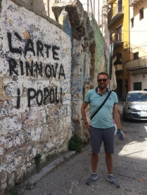 Art renews the people - anti-austerity graffiti in Palermo.